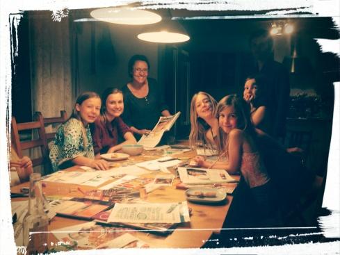 TABLEAU DE VISION- Famille autour de la table
