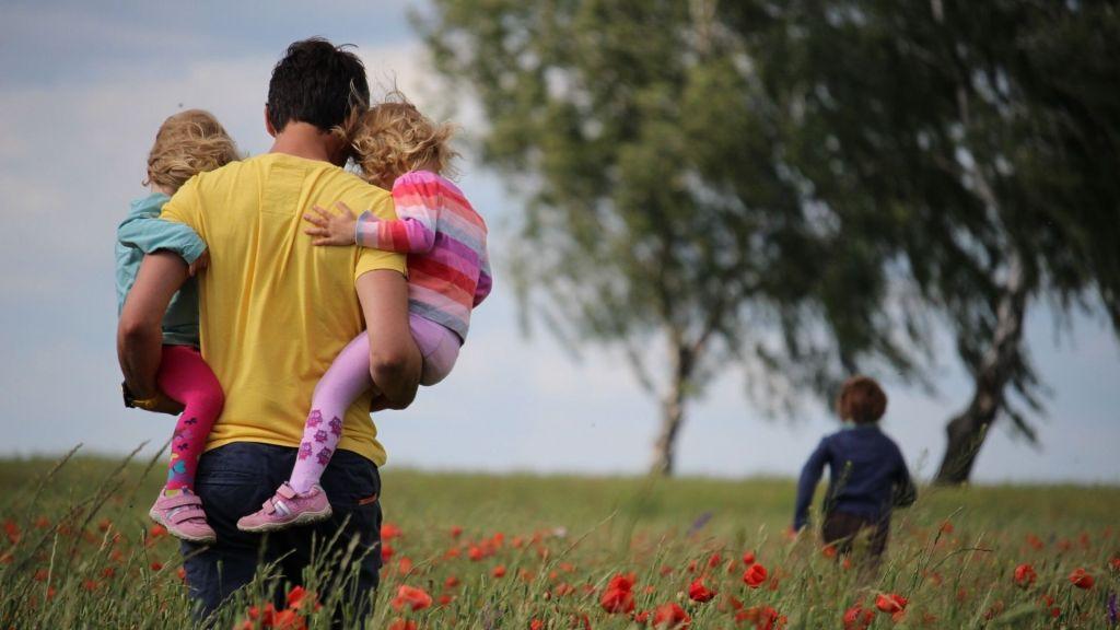 8 pistes pour susciter coopération et joie en famille ; christine lewicki ; j'arrete de râler sur mes enfants